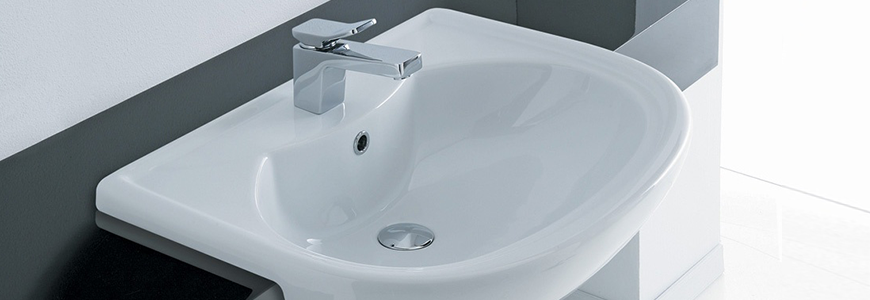Semi-recessed sinks