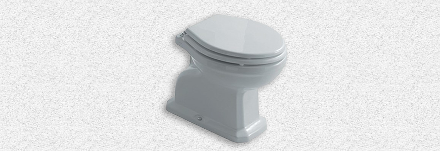 Toilettes sur le terrain