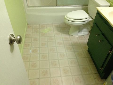 Come pulire il bagno consigli utili per un pulito - Pulire bagno bicarbonato ...